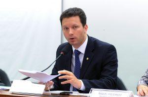 Foto do deputado Nelson Marchezan Junior em reunião ordinária da Câmara por Gabriela Korossy