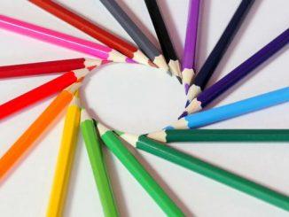Lápis em círculo