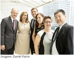 Da esq. p/ dir. Benedito Barraviera (Tesoureiro), Ana Marlene de Moraes (vice-presidente), Rui Seabra (presidente), Suzana Lannes (tesoureira); Suely de Brito (secretária geral) e Milton Shintaku (secretário)