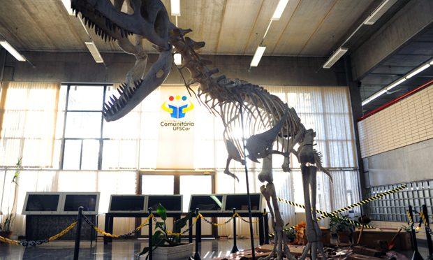 Dinossauros invadem o interior paulista!!