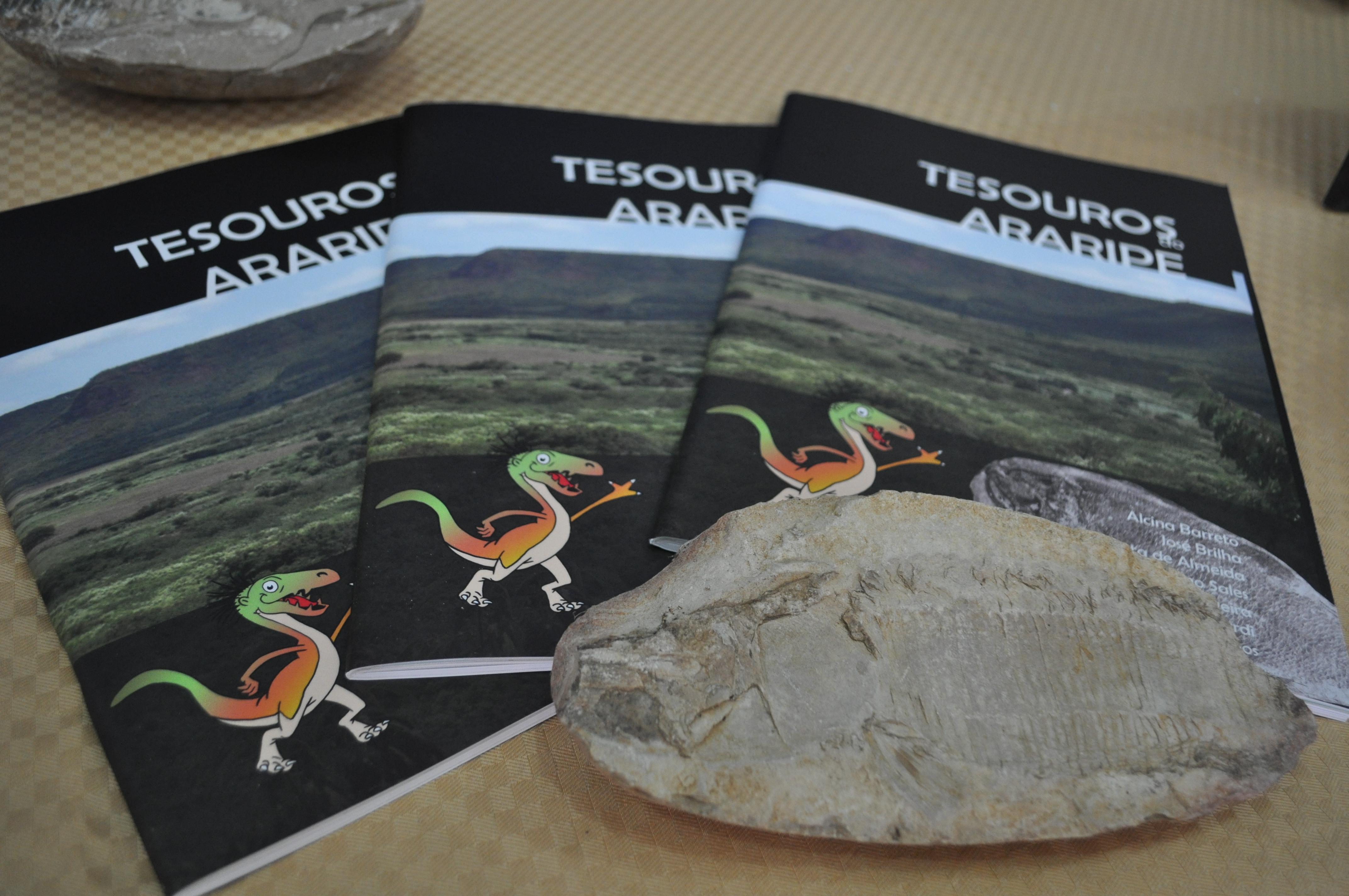 """Lançamento do livro """"Tesouros do Araripe"""" - Foto de Aline Ghilardi"""
