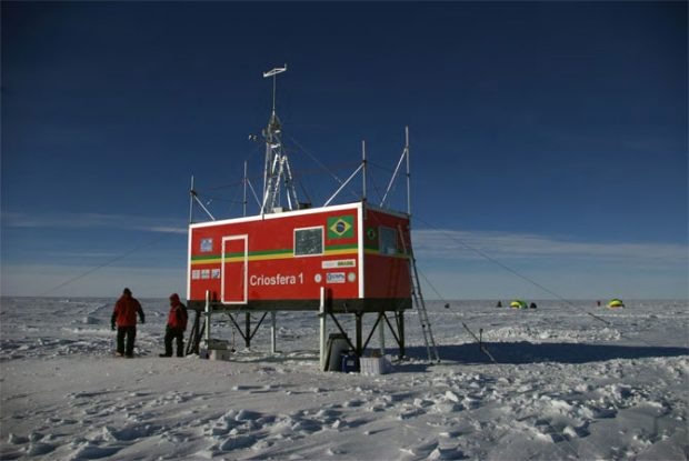 Módulo Criosfera-1, instalado por cientistas brasileiros no interior do continente: só o começo? (UFRGS)