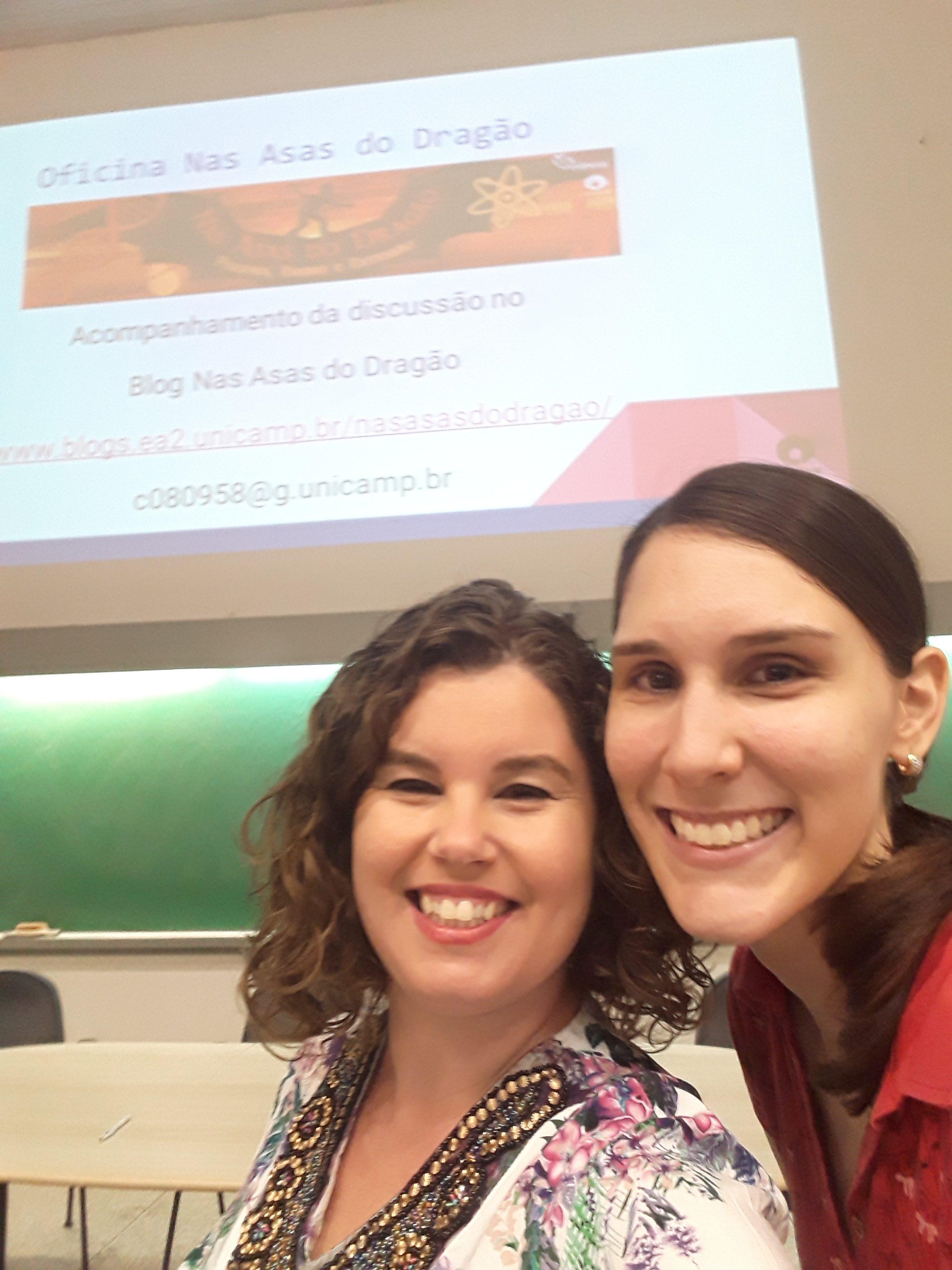 Erica e Carol na Oficina Criativa de Divulgação Científica.