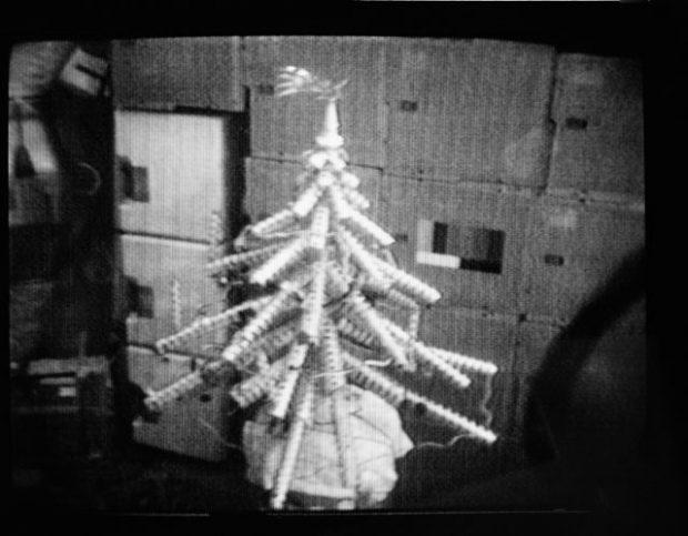 Árvore de Natal feita pelos Astronautas no Skylab.