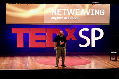 TEDx, inspiração e cientistas que não sabem palestrar