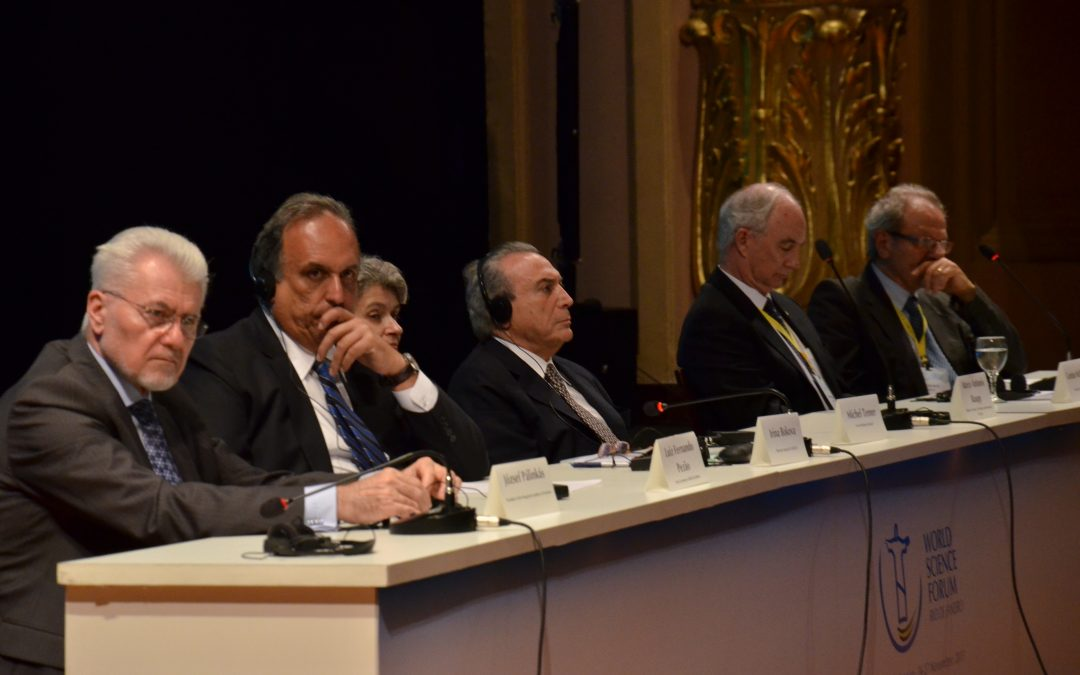 O blablablá dos políticos na abertura do Fórum Mundial de Ciência