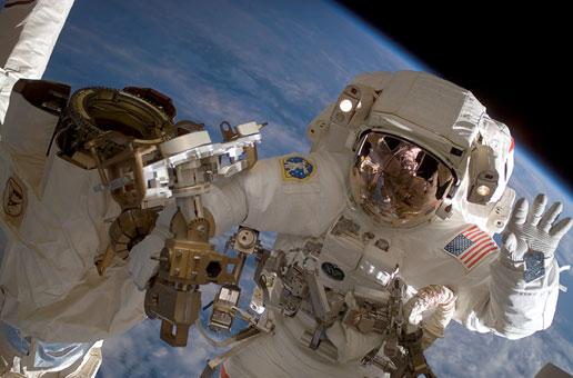 Existe gravidade na órbita da Terra