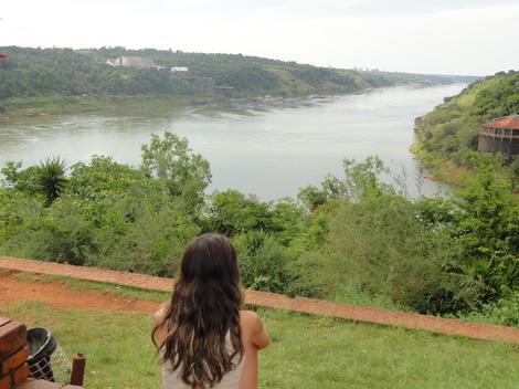 O encontro do rio Paraná com o Iguaçu