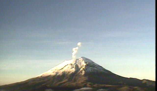 Veja vulcões ao vivo e a cores
